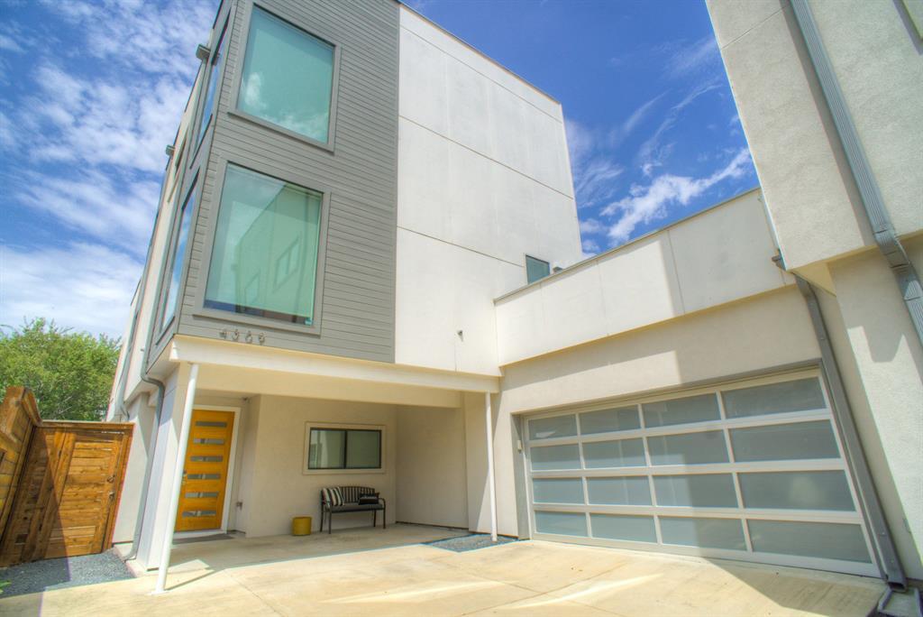 Dallas Neighborhood Home For Sale - $699,999