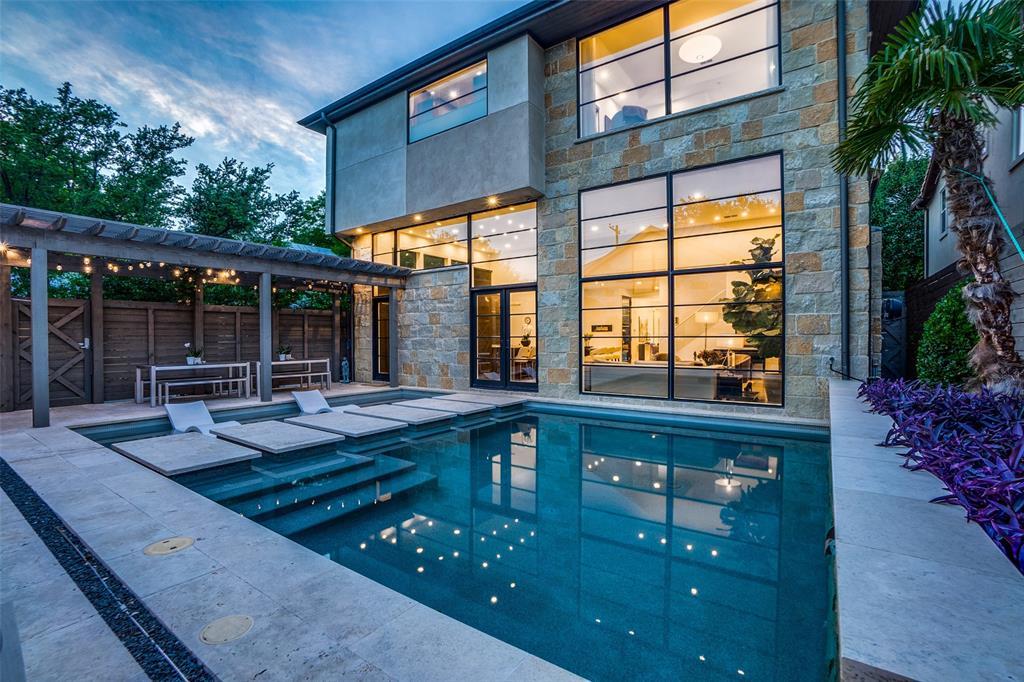 Highland Park Neighborhood Home For Sale - $3,390,000
