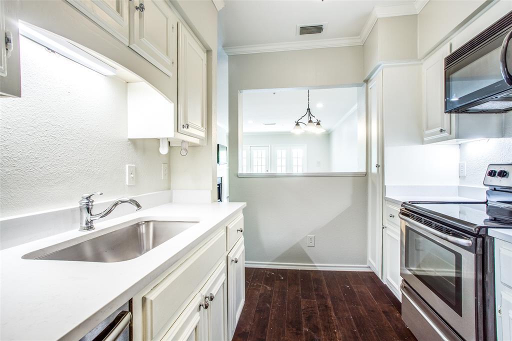 Dallas Neighborhood Home For Sale - $359,000