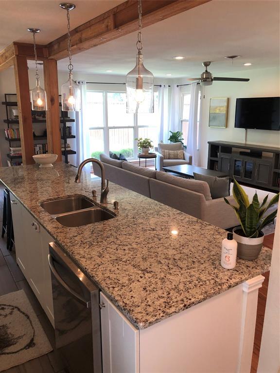 Dallas Neighborhood Home For Sale - $295,000