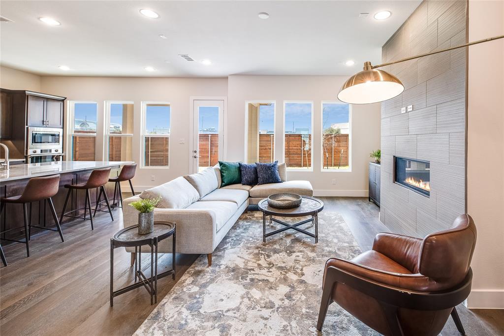 Dallas Neighborhood Home For Sale - $779,400