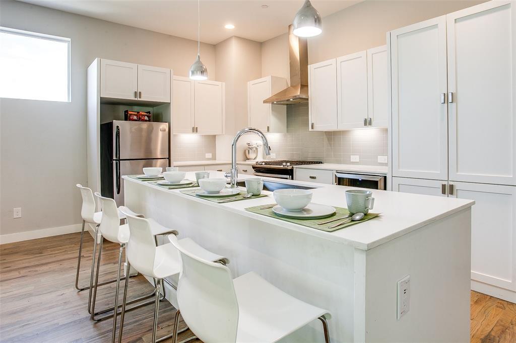 Dallas Neighborhood Home For Sale - $399,000