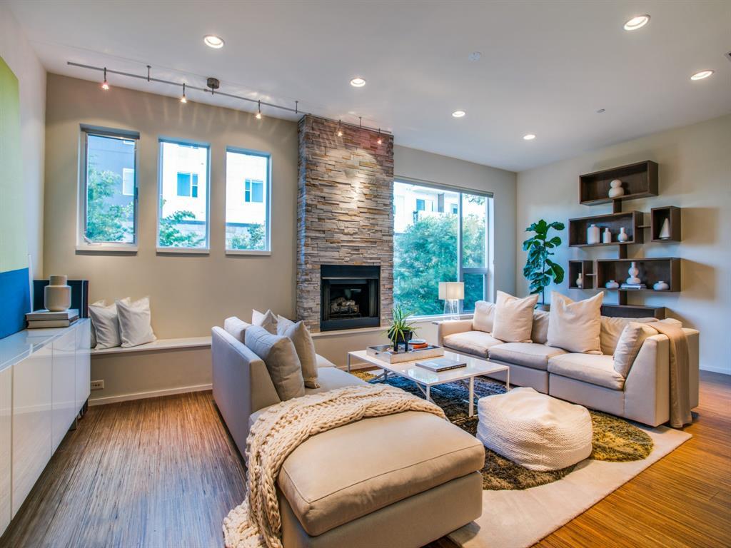 Dallas Neighborhood Home For Sale - $725,000