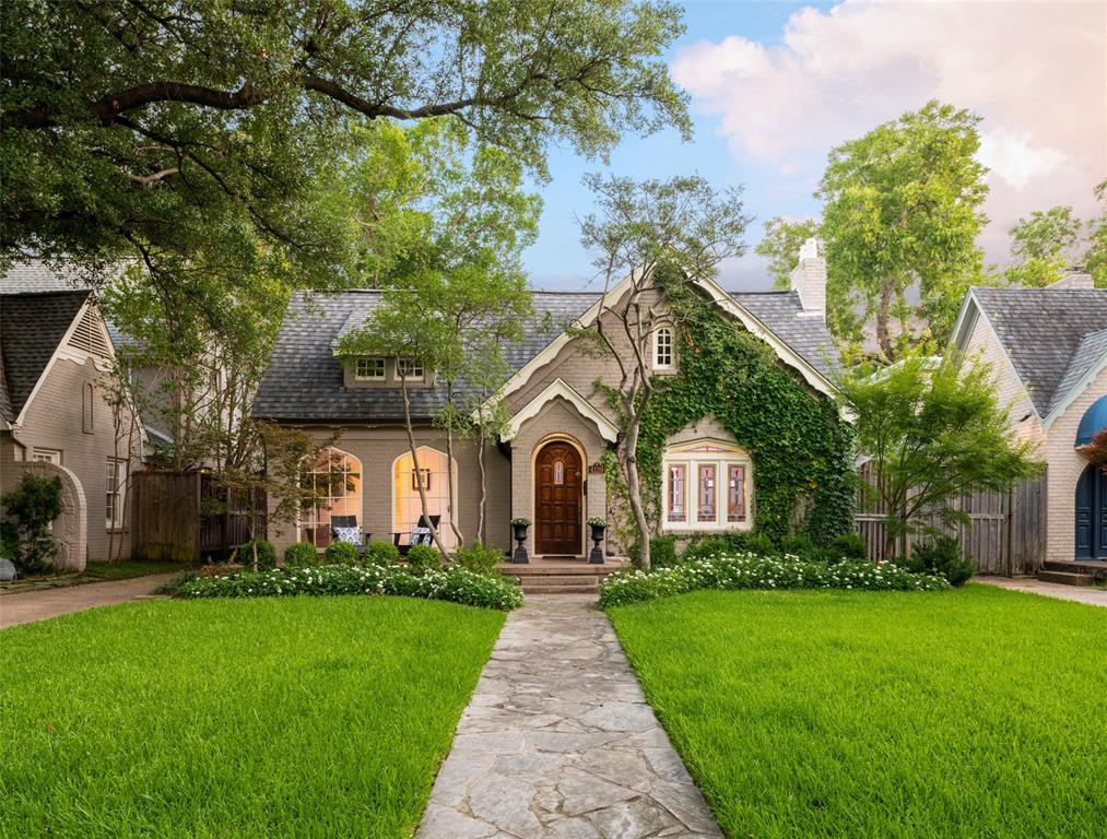 University Park Neighborhood Home For Sale - $1,355,000