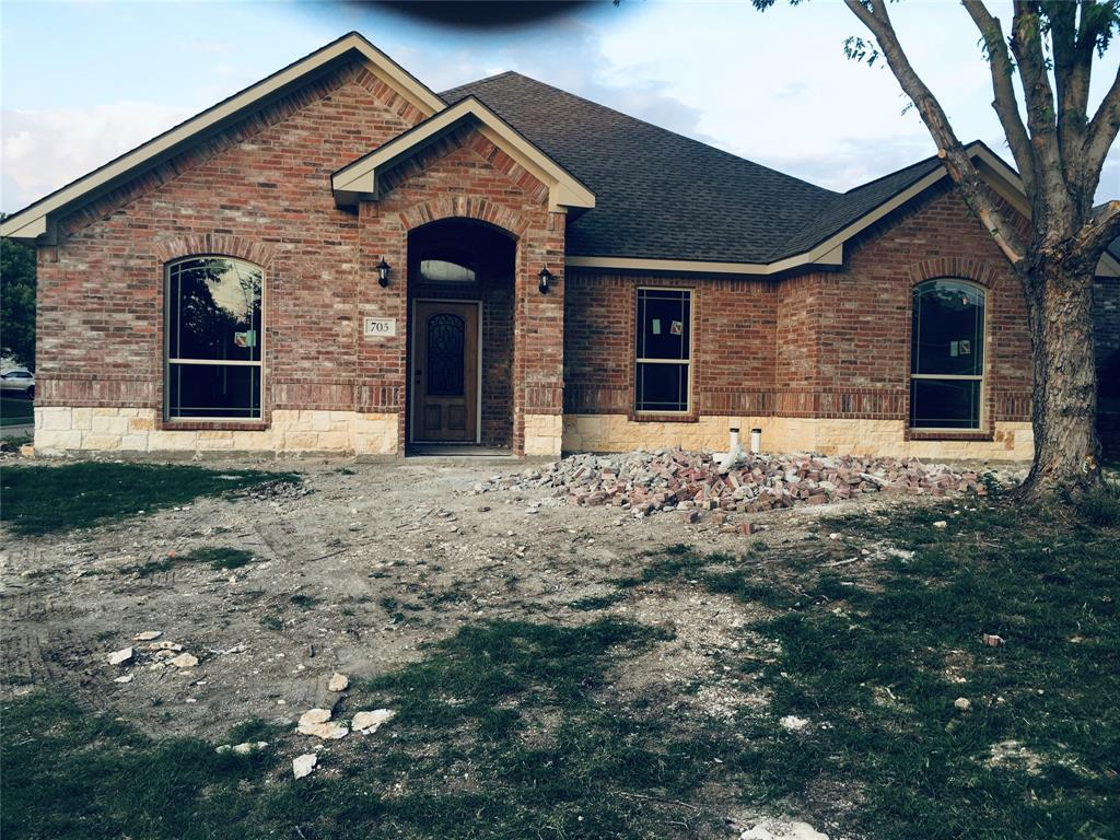 Cedar Hill Neighborhood Home For Sale - $298,900