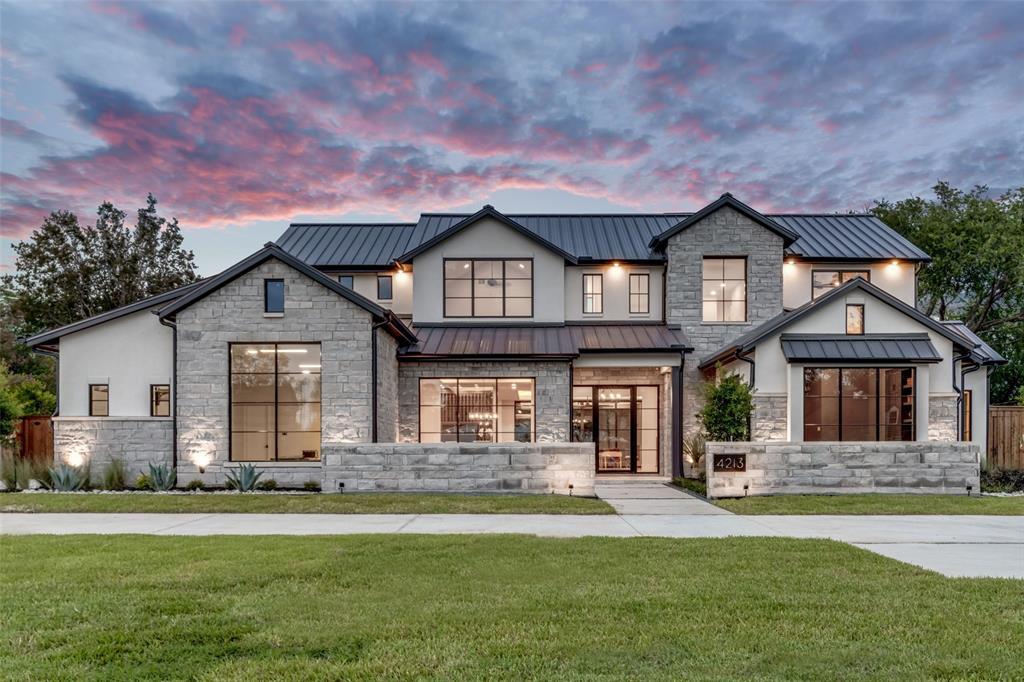 Dallas Neighborhood Home For Sale - $2,495,000