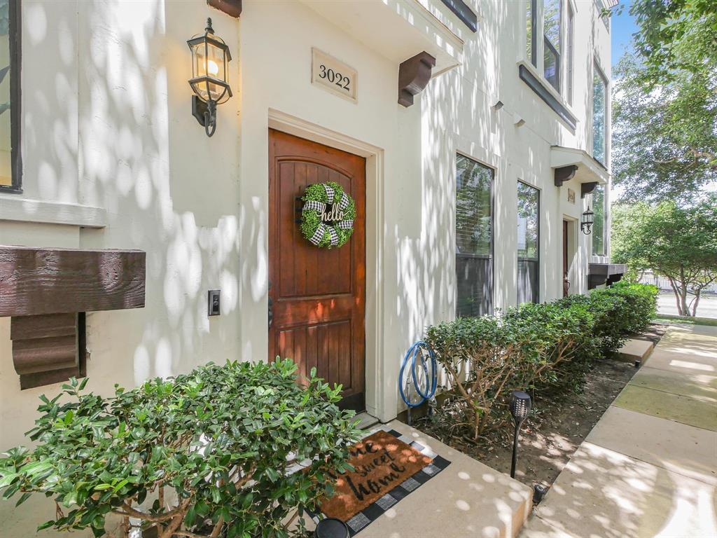 Dallas Neighborhood Home For Sale - $425,000