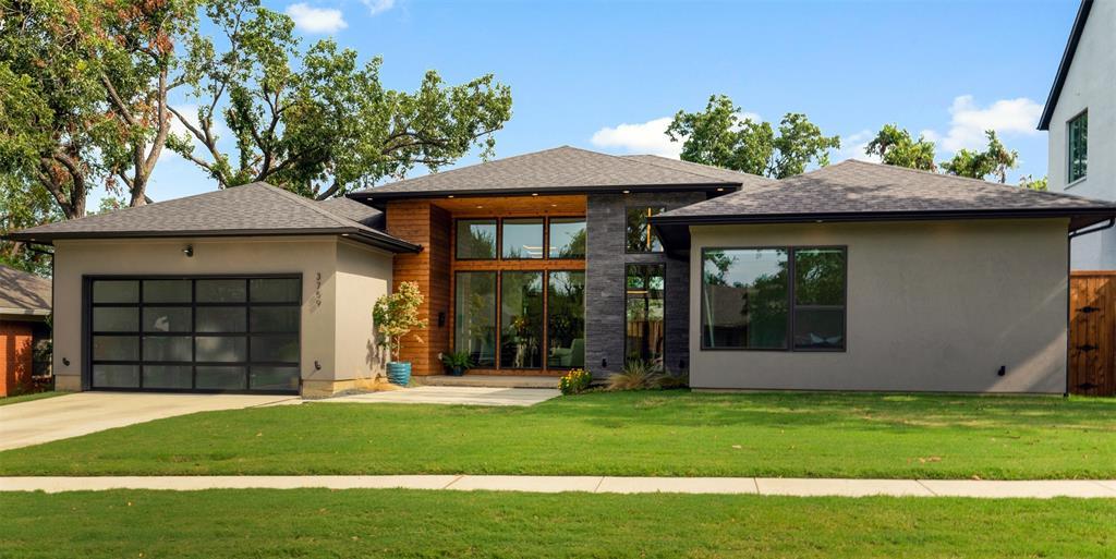Dallas Neighborhood Home For Sale - $979,900