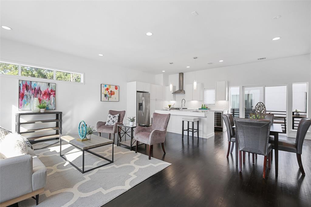 Dallas Neighborhood Home For Sale - $432,000