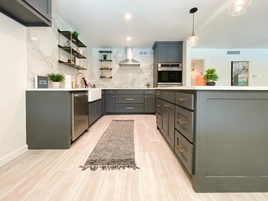 Dallas Neighborhood Home For Sale - $324,900