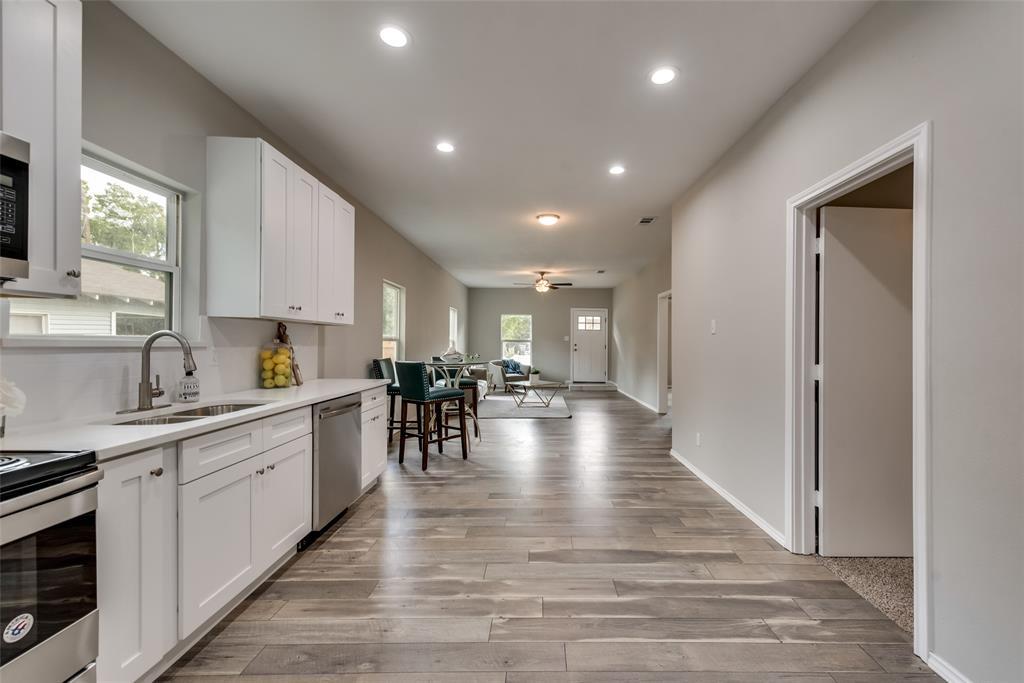 Dallas Neighborhood Home For Sale - $299,000