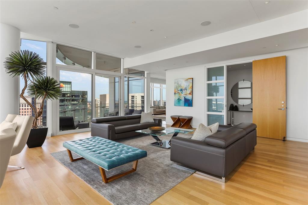 Dallas Neighborhood Home For Sale - $3,100,000
