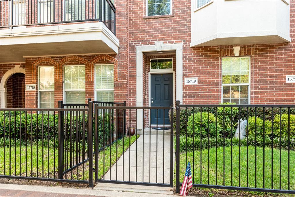 Addison Neighborhood Home For Sale - $369,000