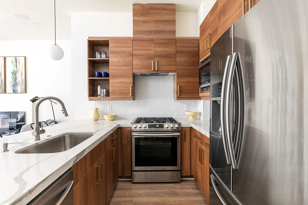 Dallas Neighborhood Home For Sale - $369,000